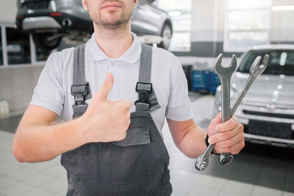 Tips Cara Merawat Mobil Listrik
