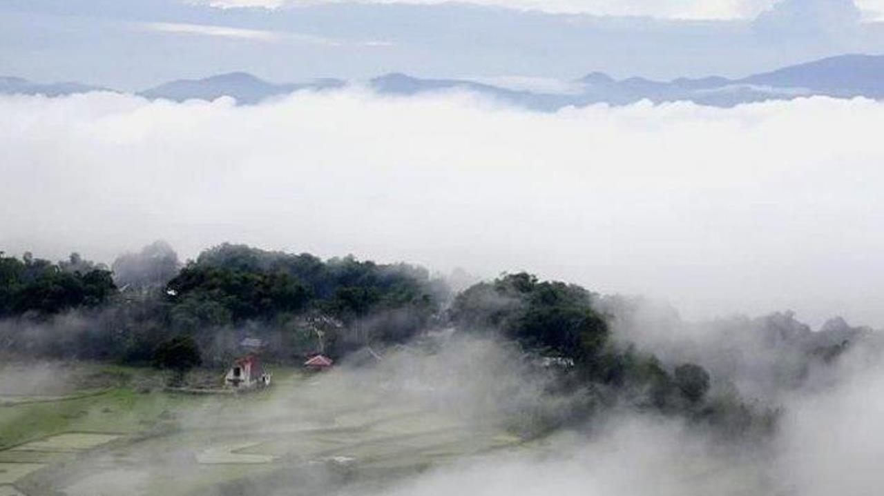 Wisata Negeri Di Atas Awan Di Bukit Mantar