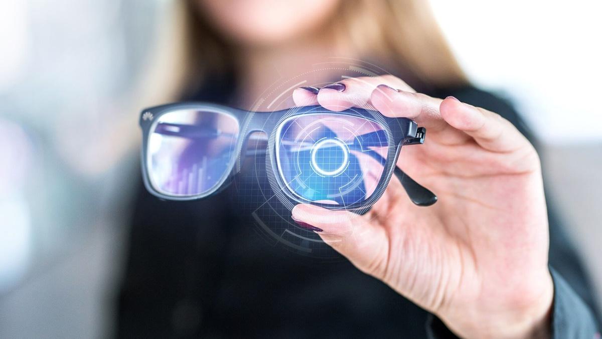 Jenis Smart Glasses Augmented Reality dan Aplikasinya
